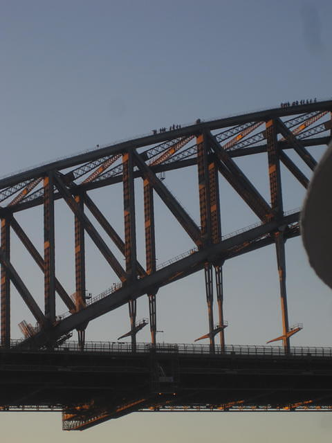Those are PEOPLE on top of the Sydndy Harbor Bridge (we did this in '11-FUN)